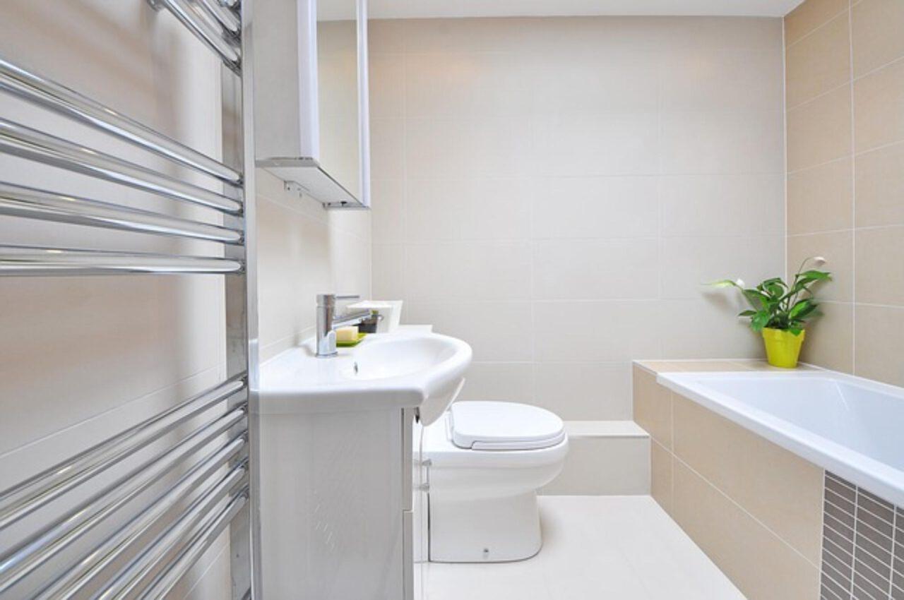 Aranżacja wnętrz a ogrzewanie łazienki